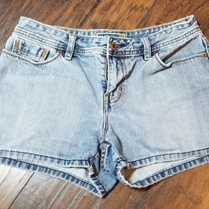 OLD NAVY JEAN SHORTS A191